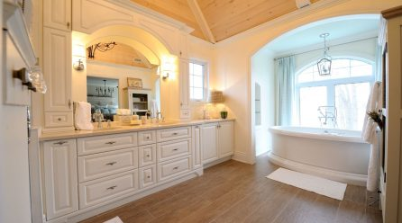 How To Bring A Contemporary Look To Your Bathroom?