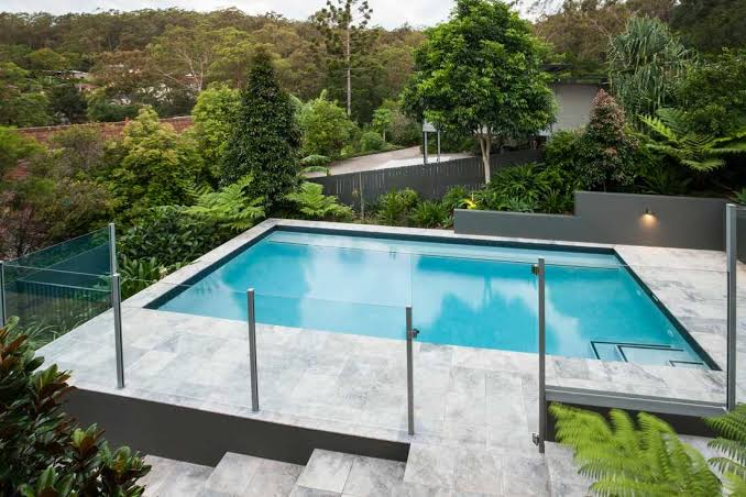 4 Things to Consider while Choosing a Glass Pool Fencing In North Shore