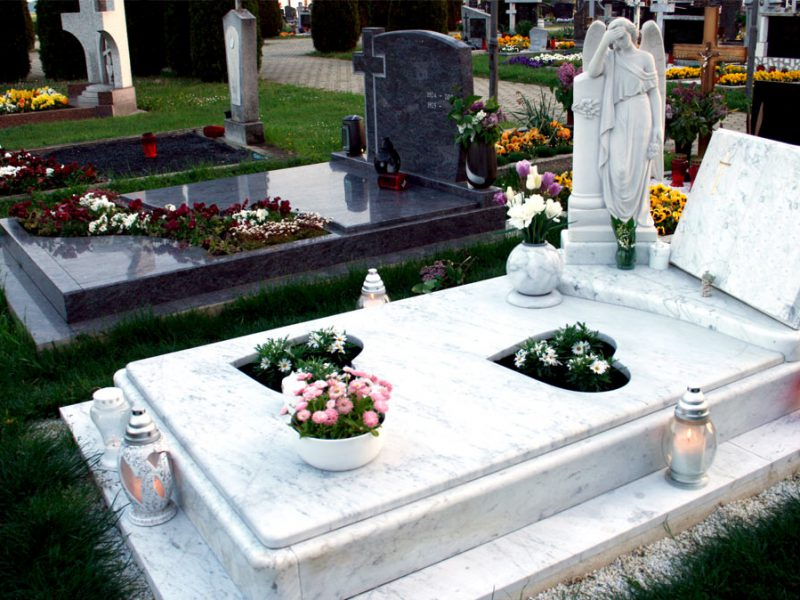 A Few Things to Know About Headstones