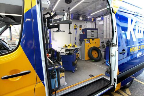 Why do you Need Mobile Tyre Repair Services & How to Approach them
