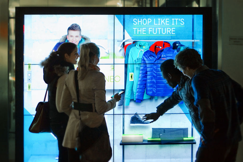 Digital Window Display: Is It Worth To Invest On Window Display