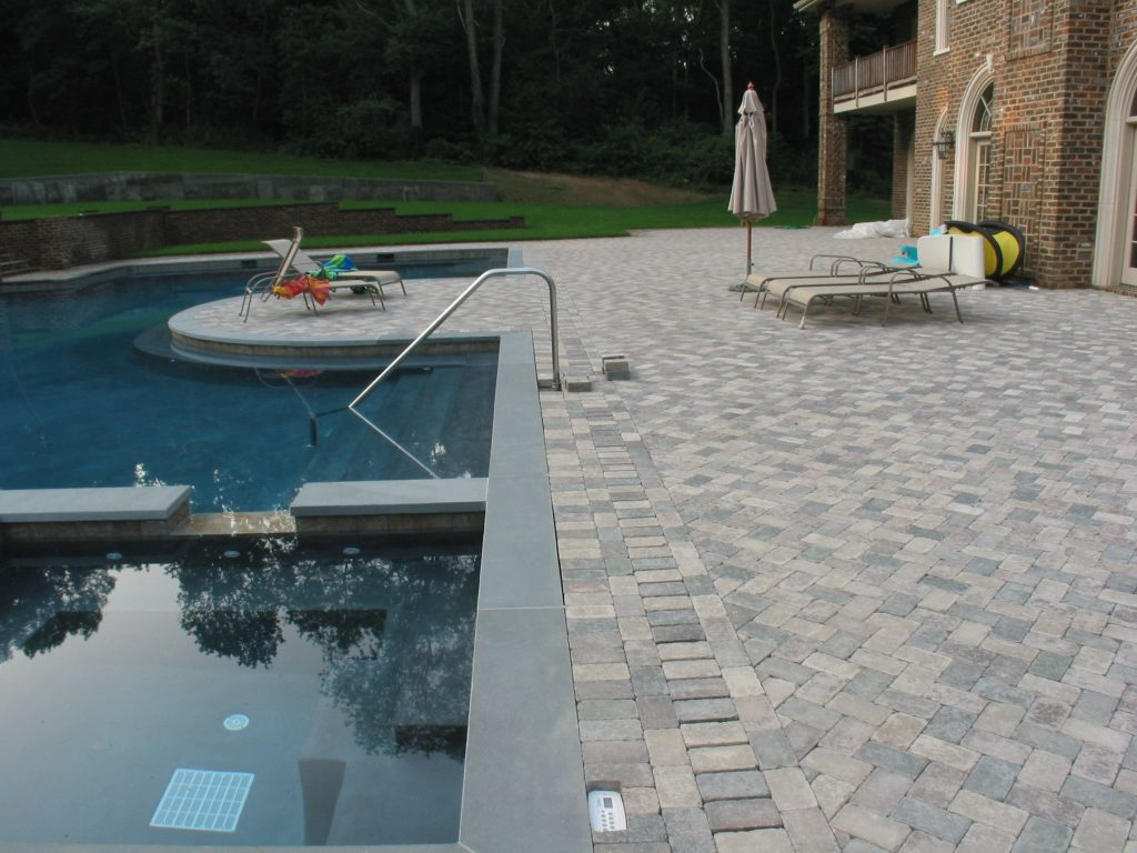 benefits of pool pavers