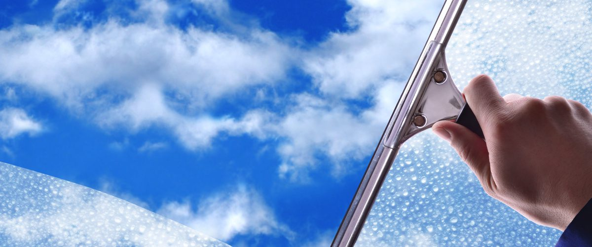Make Your Life Easy With Professional Window Cleaning Squeegees