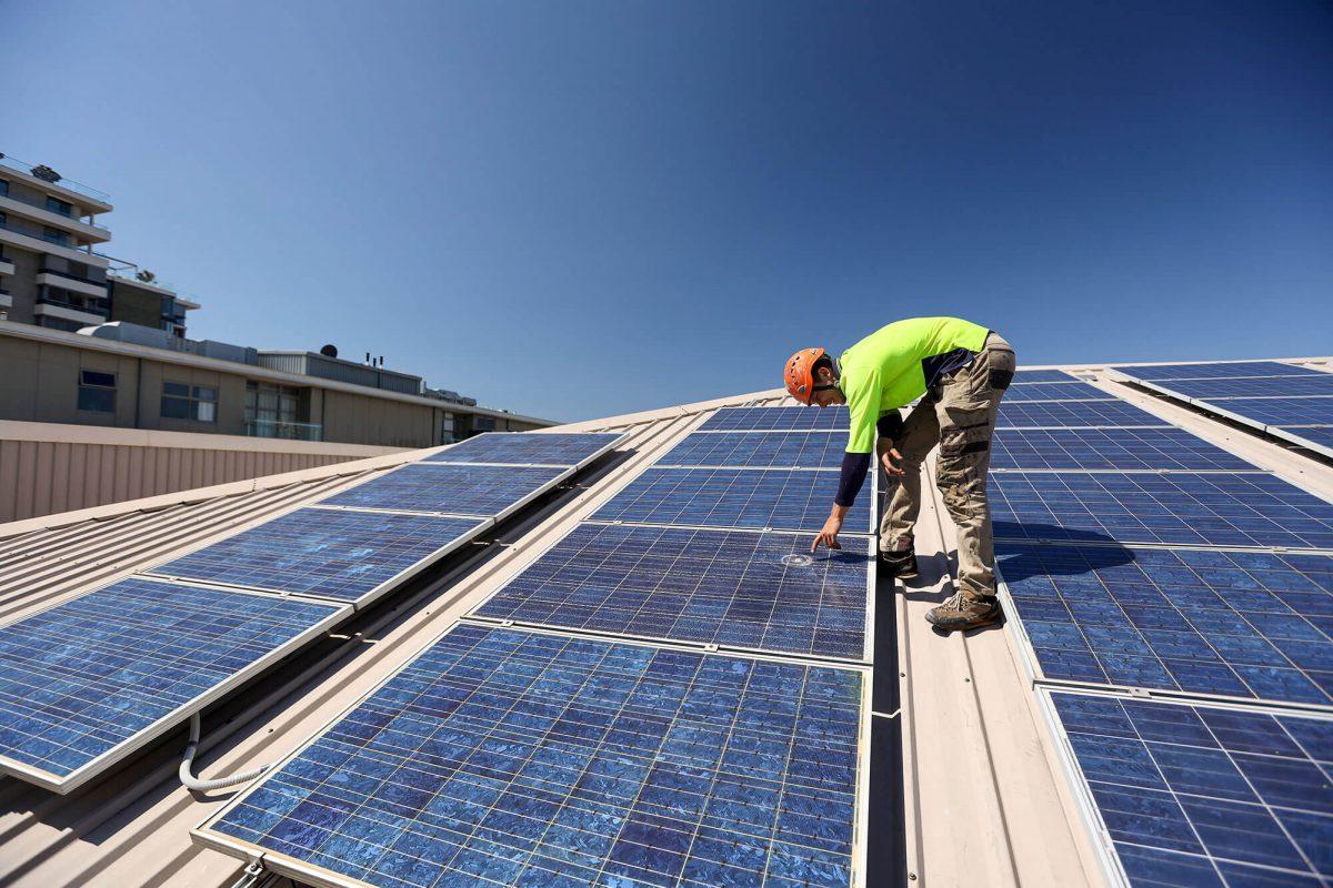 Maintenance of Commercial Solar Panels in Brisbane