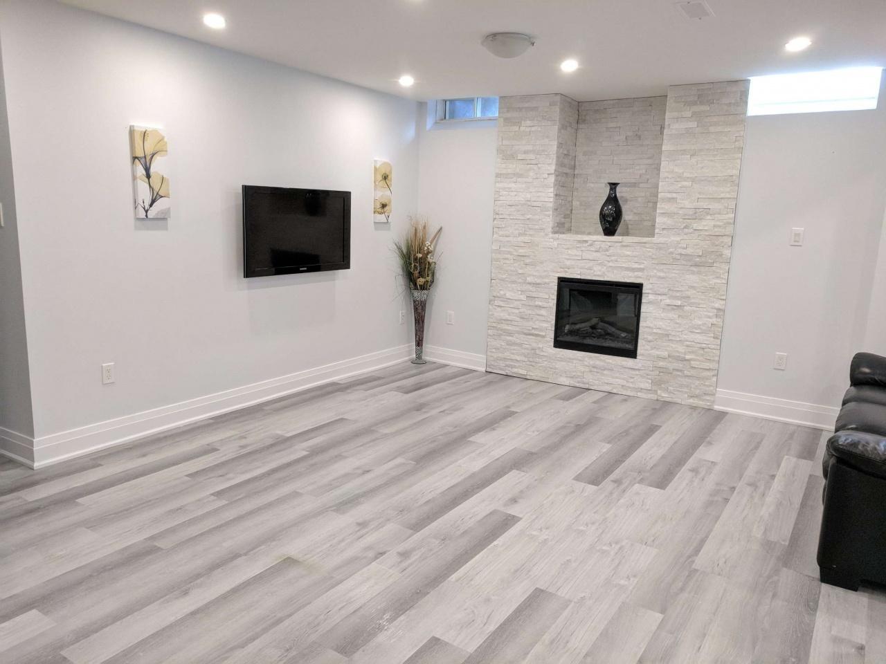 Richmond vinyl plank floor