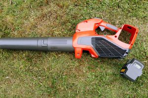 Guide to buying battery-powered blower and Tractors