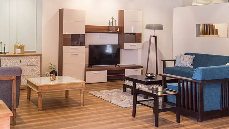 Choosing the Right Furniture from Furniture Store to Give House a Classic Twist with Modern Touch