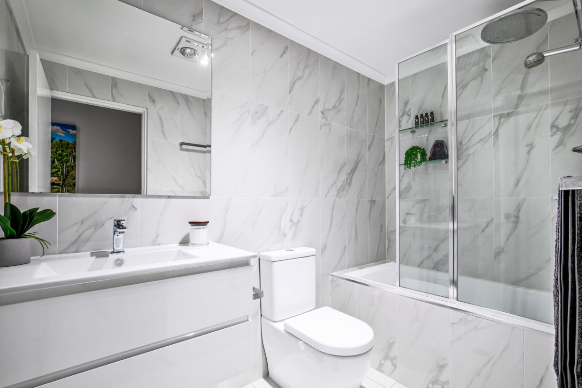 Ways To Improve Aesthetic Of Bathroom With The Help Of Best Renovation Service
