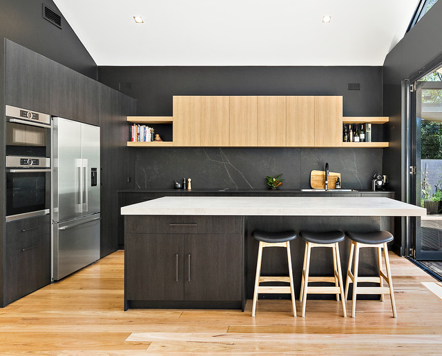 Choosing Between Flat Pack Polyurethane Kitchens And Lacquered Coloured Kitchen
