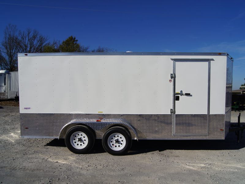 Top 7 Benefits Your Next Enclosed Trailer Will Offer