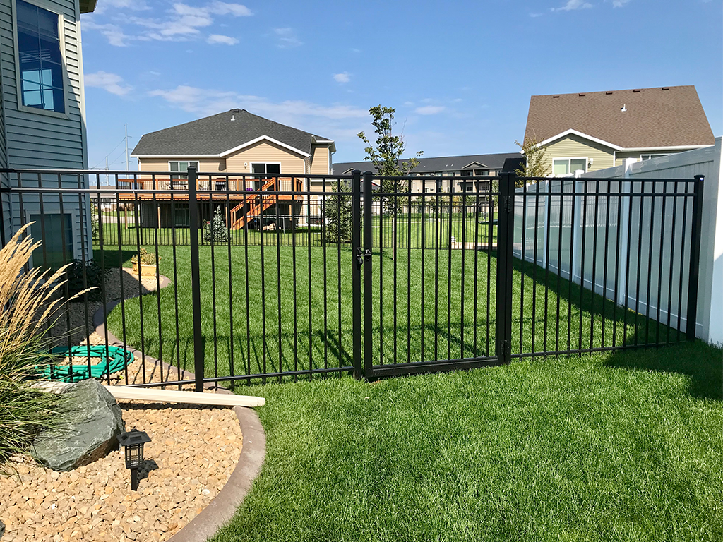 Lightweight aluminium gate and fences are becoming more recognized due to their strength and sturdiness together with the numerous style options within the market.