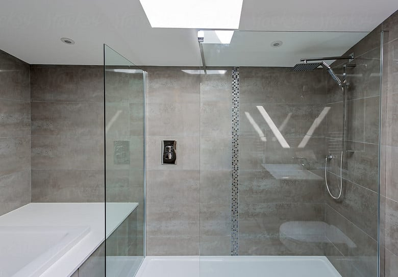 What Are the Benefits of Frameless Glass shower screens?