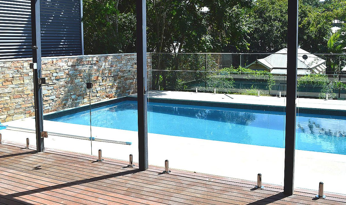 How To Choose The Right Glass For Frameless Glass Pool Fencing In Helensburgh