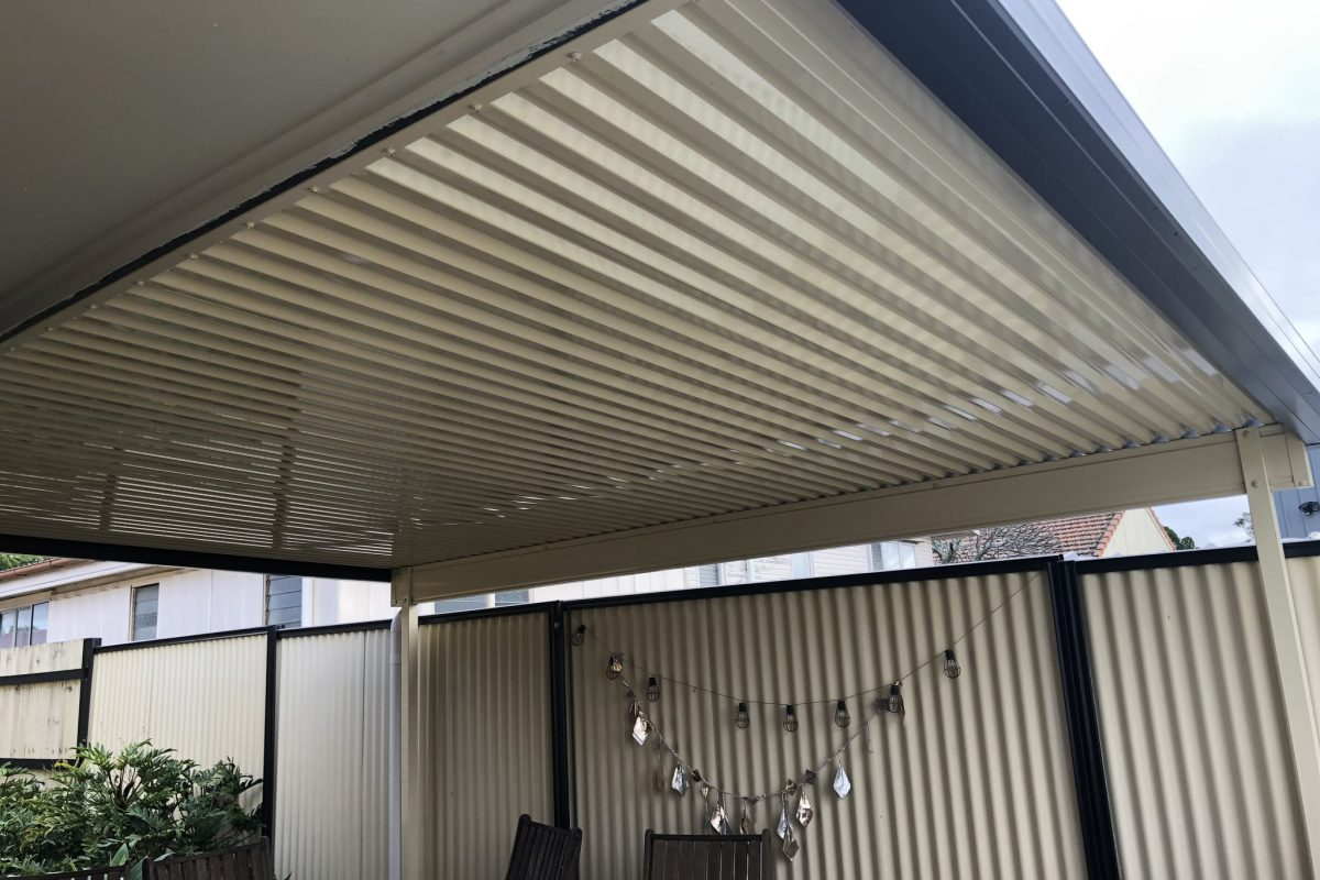 Types And Advantages Of Polycarbonate Patio Roofs