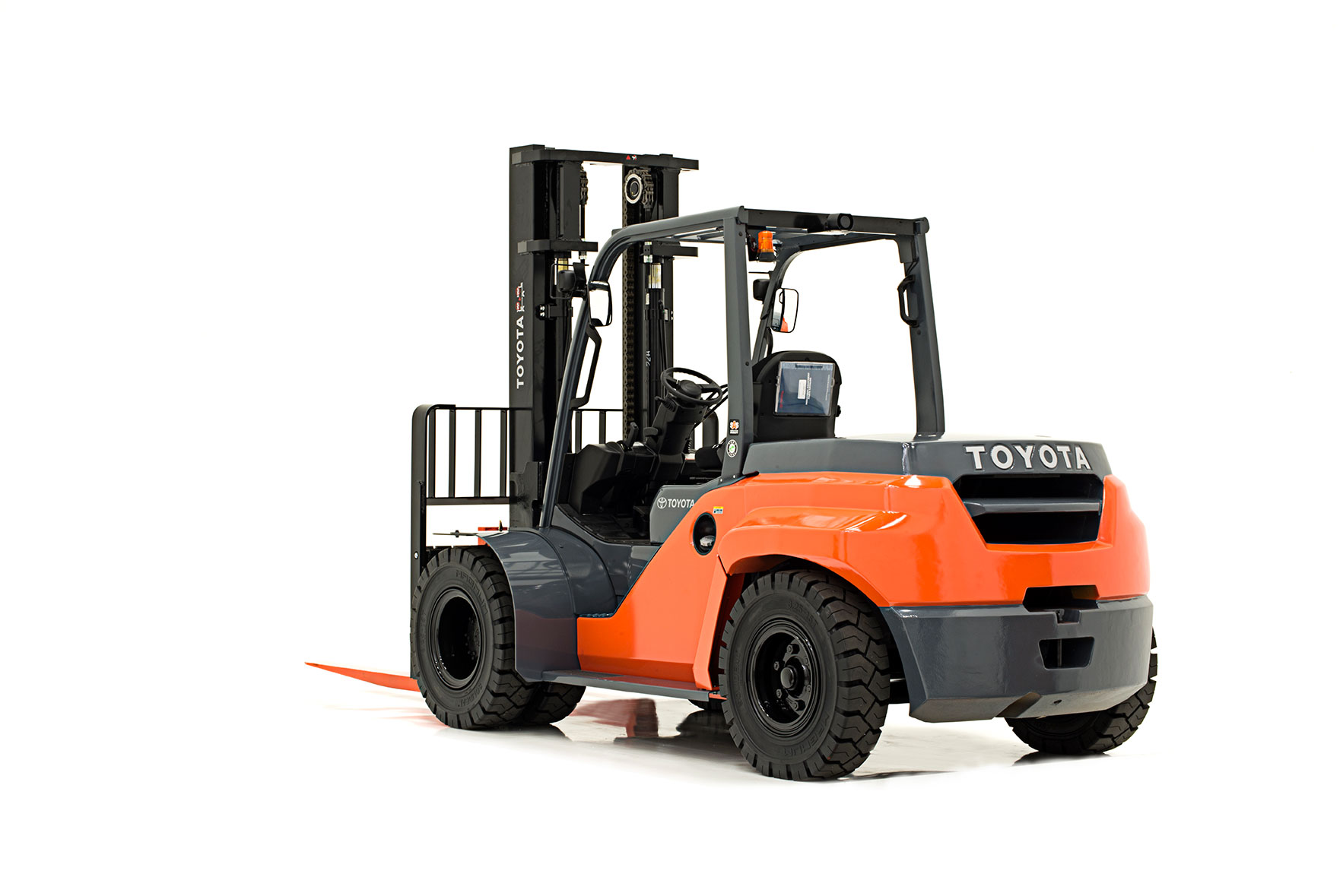 The forklift hire Sydney price is reasonable and does all the heavy lifting. Forklifts are essential for construction industries and warehouses.