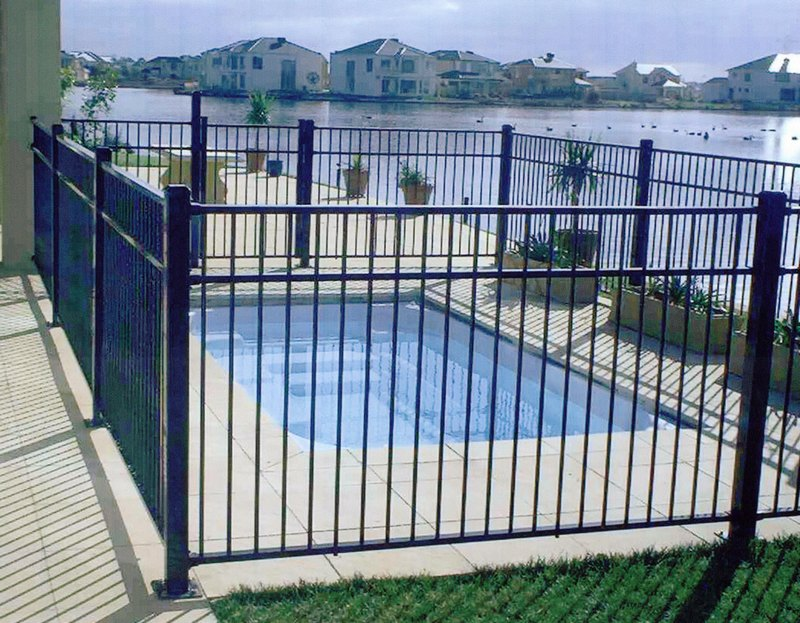 What Are The Benefits Of Choosing Frameless Glass Fencing For Your Pool?