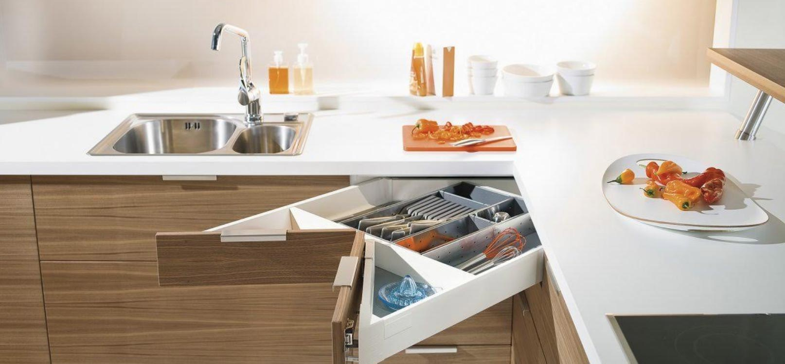 Kitchen Corner Pantry Solutions – Styling Up As Per Usage Convenience