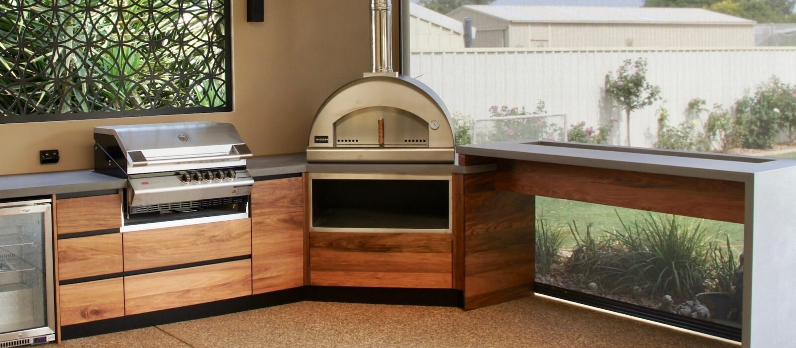 Install The Flat Pack Outdoor Kitchen Cabinets For Overall Value Enhancement