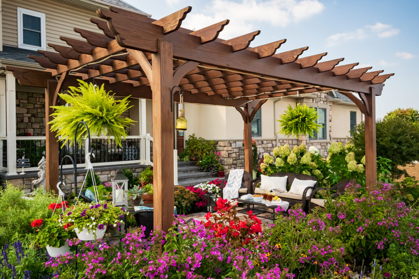 A Quick Guide To Insulated Pergola Roofing