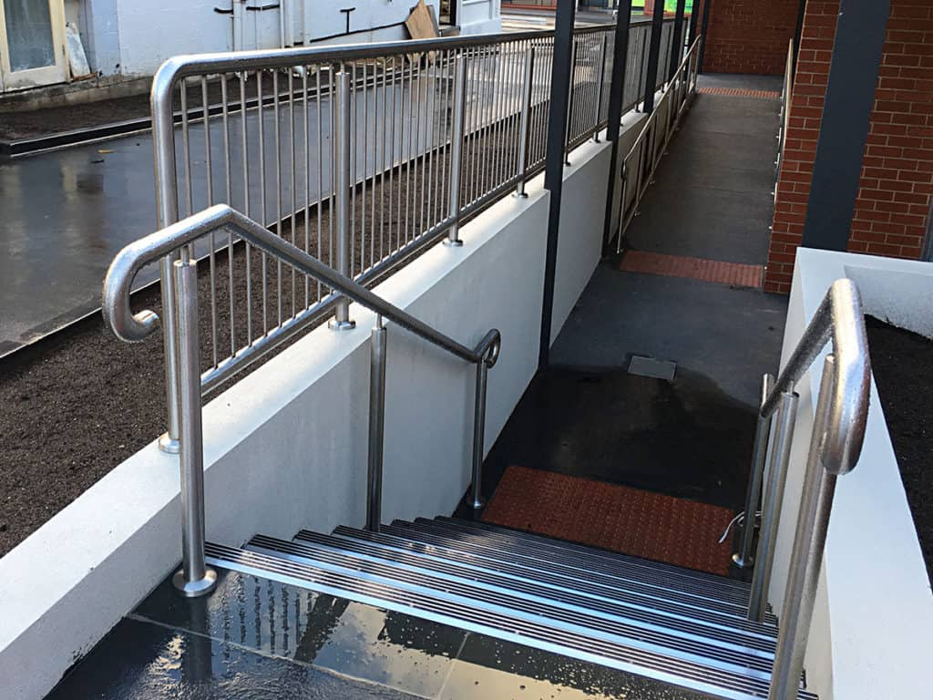 Tips To Follow For Cleaning Hand Rails Made Of Steel