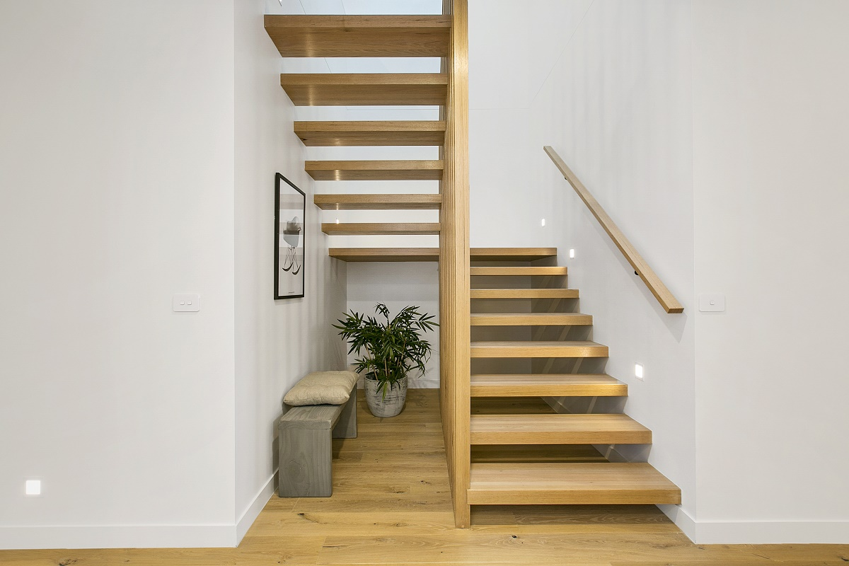 Why Experienced Staircase Builders In Sydney Recommend Timber Staircases